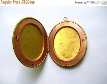 Sale Large Vintage Brass Locket - Floral Etched - Vintage Jewelry Supplies - DIY - Jewelry Making - Vintage Brass Locket