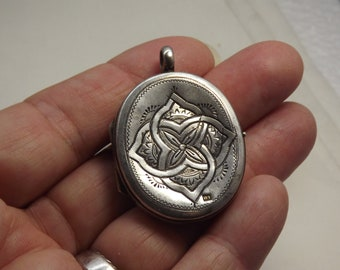 Antique Silver Russian Engraved Floral Deep Set Locket Moscow Russia