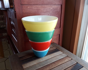 Original Pyrex Primary Colors Mixing Nesting Bowls 1940 s no. Early Issue Numbers / Vintage Pyrex 4 bowls to mix, full set