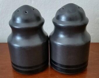 Pfaltzgraff Midnight Brown Salt And Pepper Shakers.  Pfaltzgraff Salt And Pepper Shakers/Shaker.