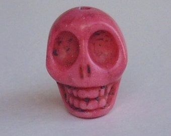 1 great skull pink 18mm - howlite