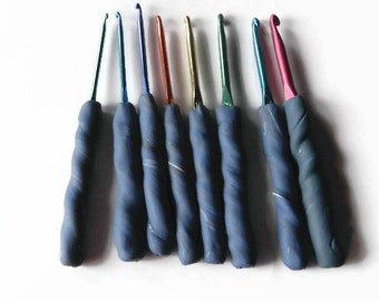 Set of 8 Boye Crochet Hooks with Ergonomic Polymer Clay Handles Sizes D, E, F, G, H, I, J, K Fight Hand Fatigue and Pain