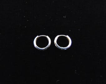 Pr 14K White Gold Childs Hoop Earrings, .5g E3533