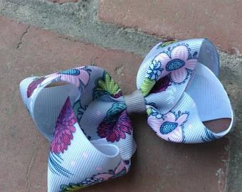 Burgundy flower bow. Fall hair bow. Gray hair bow with burgundy and pink flowers. Pink flower bow. Baby toddler hair bow. Gray and burgundy