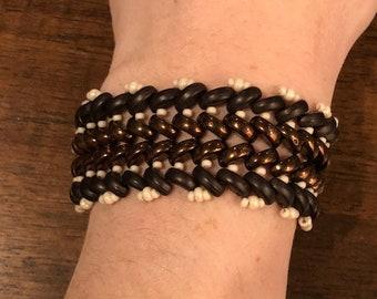 Brown and bronze herringbone beaded bracelet