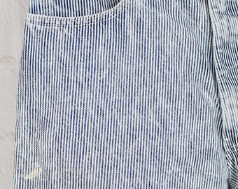 Mens Vintage 80s 90s Levi's 550 Men's 34x32 / 32x32 Striped 80s 90s Railroad Hickory Stripe Paint Splattered Distressed Jeans