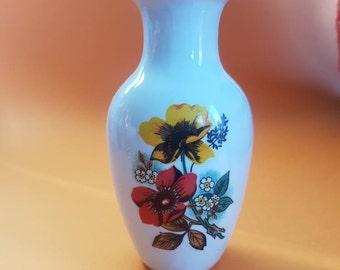 Petite Flower Vase - Vintage - Cute - Ceramic
