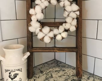Mini wreath ladder