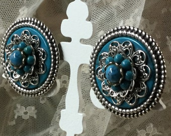 Faux Turquoise and Silver Tone Large Button Earrings Western Cowgirl Inspired 1970's 1960's Clip On Unsigned Filagree Beaded Edge
