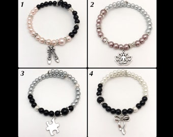 "Bracelet ""Asymmetrical"" memory of shaped glass beads"