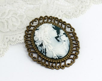 Lady cameo brooch Vintage brooch Victorian brooch Christmas gift for mom gift for women gift for wife gift for her birthday gift for sister