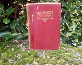 Antique book. Jane Austen, Mansfield Park, Illustrated by Hugh Thomson 1913 Macmillan edition. Red leather Hardback, Illustrated. Damaged.