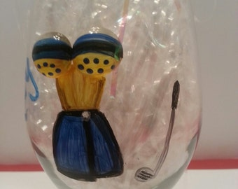 Hand Painted Wine Glass - Golfer
