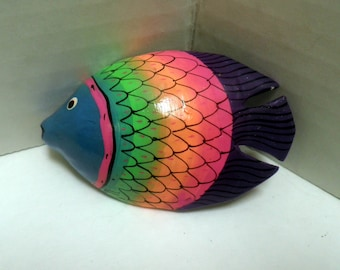 vintage 1970's Brooch, tropical Fish, lacquer painted WOOD