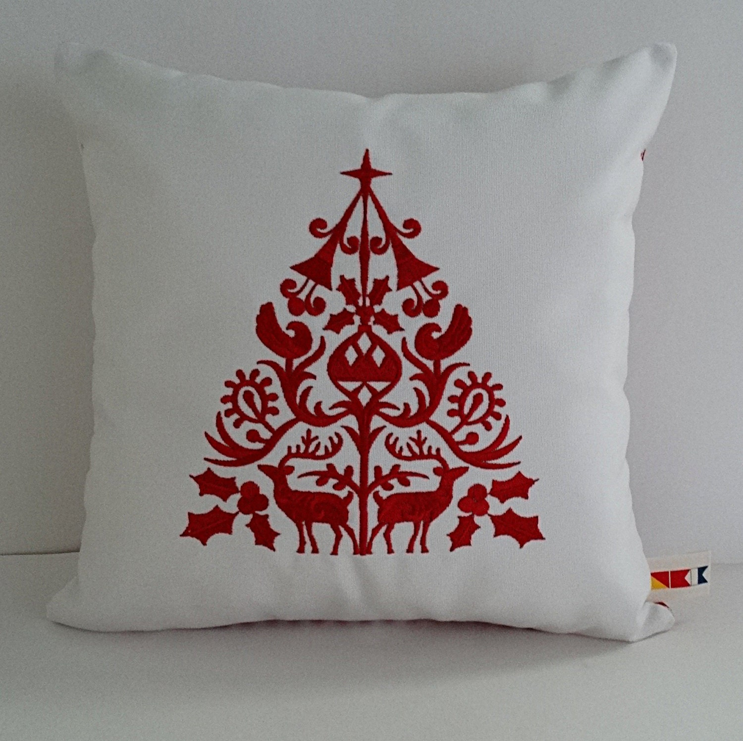 SCANDINAVIAN CHRISTMAS TREE embroidered pillow cover 19