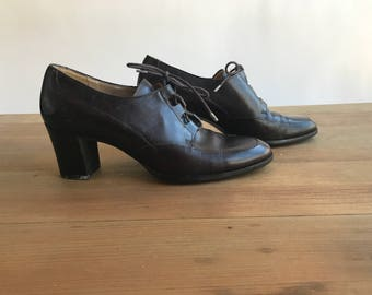 Vintage Brown Leather Lace Up Shoes Size 8 by Enzo Angiolini