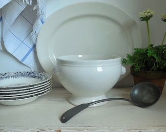 Vintage French tureen. Vintage French soupiere