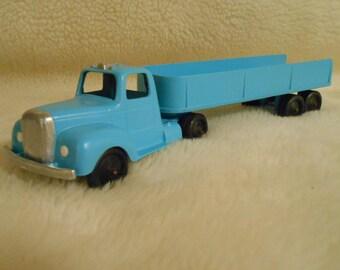 1950's Tootsitoy Tractor & Trailer