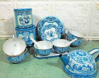 Vintage Wolverine Toy Tea Set, Blue and White Dutch Pattern, 17 Pieces