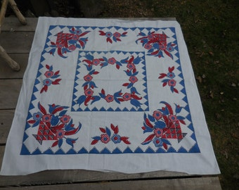 Vintage 1950s to 1960s Red/White/Blue Small Card Tablecloth Linen Pennsylvania Dutch Looking Basket of Tulips