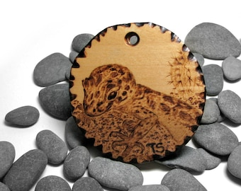 Gecko pendant by Tanja Sova