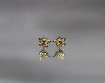 14k - Vintage Detailed Petite Butterfly Bug Stud Earrings in Yellow Gold