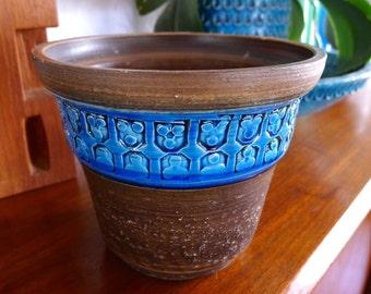 Bitossi planter with blue Trifoglio design, Aldo Londi, Raymor, Mid Century Modern Italian Pottery