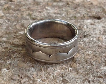 Men's Wedding Band, Curved Band Wedding Ring, Men's Cool Band, Zigzag Geometric Ring, Steel Ring Curves,Size 7 8 for Men