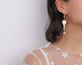 Gold Hoop Dangling Key & Pearl Earrings - Key Dangle Earrings - Coachella Earrings - Two Ways Earrings
