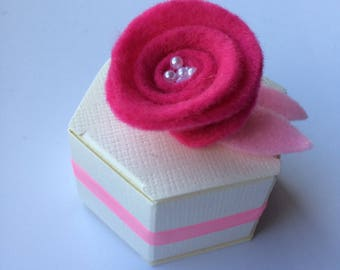 Wedding Favour Flower Lapel Pin