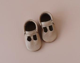 t straps / baby moccasins mocks / soft soled shoes / petal