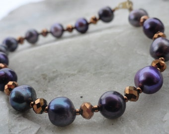 Plum Purple Tinted Pearl and Gold Sparkle Bracelet