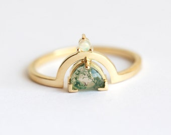 Moss Agate Ring, Healing Rings, Green Stone Ring, Unique Ring, Modern Gold Ring, Unique Engagement Ring, Green Engagement Ring, MinimalVS
