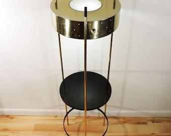 Vintage Mid Century Modern Hollywood Regency Laurel Metal Stand Floor Lamp