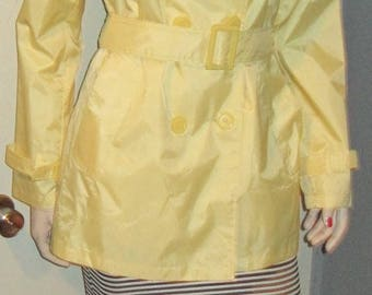 WOMEN'S Ladies ELLABEE Fashionable VOGUE Yellow Rain Coat Jacket Sz 4