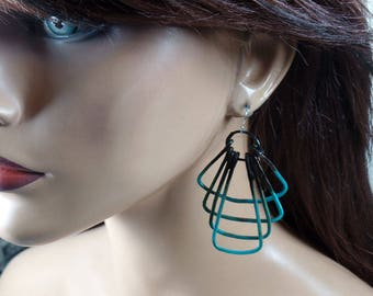 Copper wire earrings with verdigris and black patina