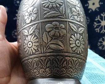 Hartford Silverplate Co. Urn style vase missing top