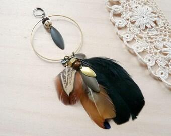 Boucles solitaire boho tribal en laiton et plumes - Keyi