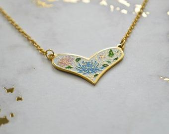 Vintage-Mama-Herzhalskette - Emaille Halskette - weicher Schmelz - Emaille - Emaille Anhänger - Blumen Schmuck
