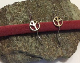 Earrings peace and love silver plated.