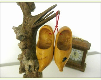 Free shipping vintage shoes wooden wooden shoes dutch shoes, French vintage shoes, Holland, large carved mini Decor