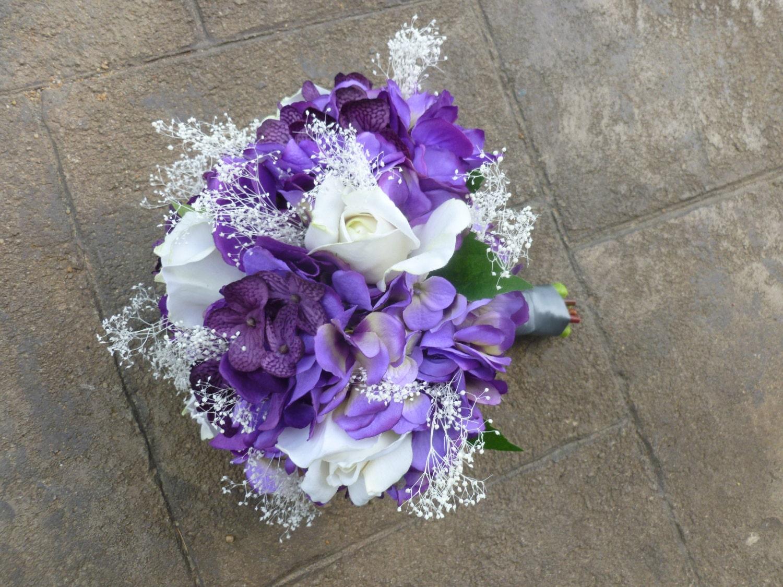 violet prune hortensia rose bouquet avec gypsophile violet. Black Bedroom Furniture Sets. Home Design Ideas