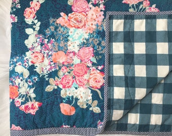 Floral Baby Blanket / Modern Baby Quilt / mini crib blanket, baby quilt, baby girl quilt, crib blanket, crib bedding, floral quilt