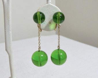 Vintage Mod Green Ball on Chain Clip Earrings