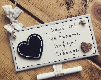 Personalised wooden chalkboard countdown wedding anniversary engagement plaque sign gift