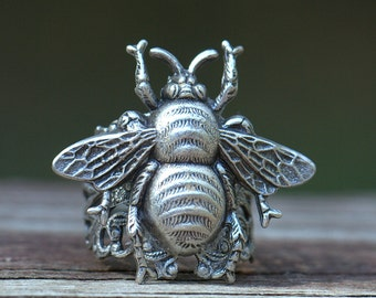 RING Silver BEE Adjustable size. Gentle Honey Bee, Boho chic. Womens Ring Size 4 4.5 5 5.5 6 6.5 7 7.5 8 8.5 9 9.5 10 10.5 11 11.5 12 12.5