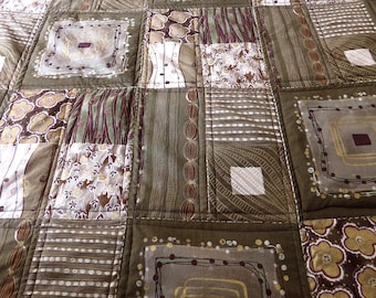 Quilt, single bed, handmade, gold, olive, khaki, cream, DaisyGold by melanie j cook, for wiccked