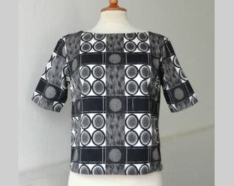 60s Vintage Blouse With Graphic Print // Black Gray White