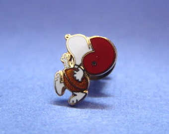 Vintage 1970's Aviva Snoopy Tie Tack Pin Football