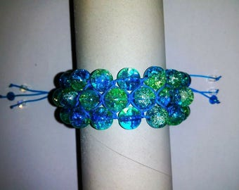 Bracelet Shambhala Triple from glass beads with cracks.